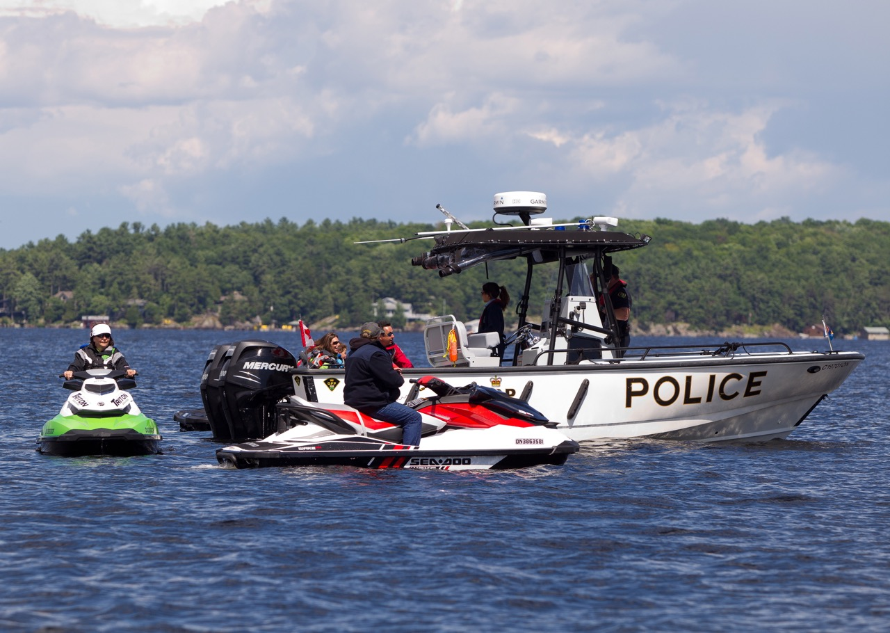 Police check to enforce Ontario boating regs